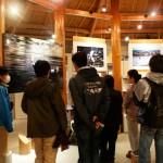寺沢氏の写真が多く展示されている「海の宇宙館」。オリジナルグッズも購入できます